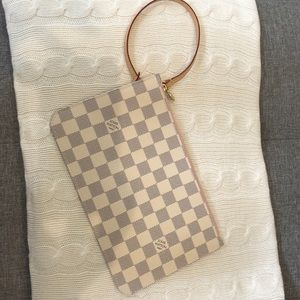 Louis Vuitton Damier Azure Pouch in Rose Ballerine